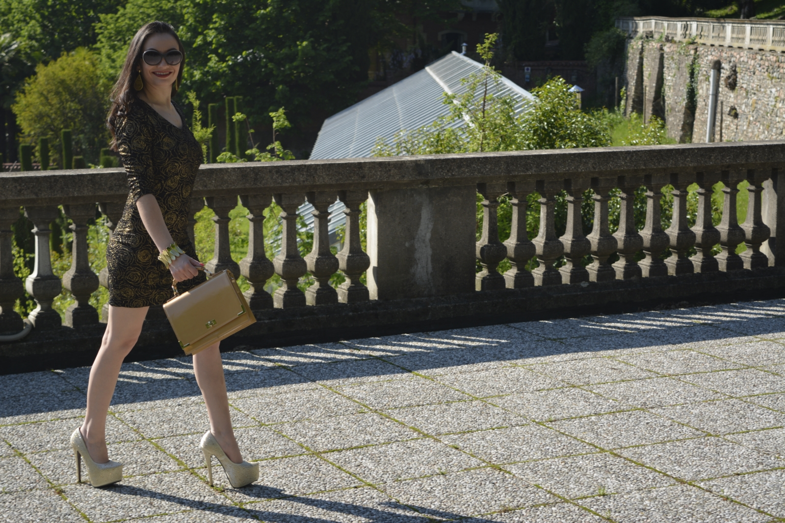 look-do-dia-mini-dress-dourado-&preto-nathália-ferrara-5