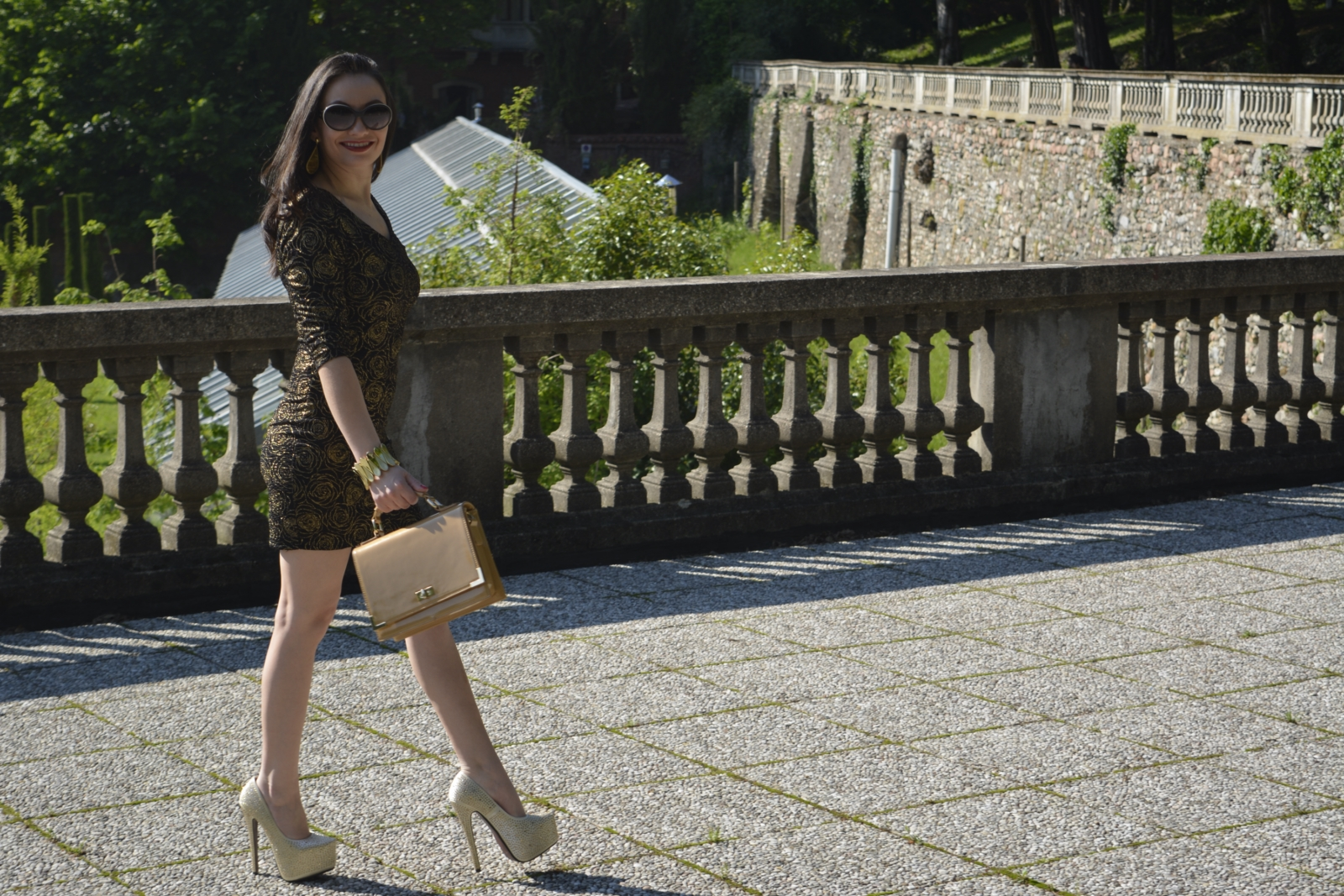 look-do-dia-mini-dress-dourado-&preto-nathália-ferrara-3